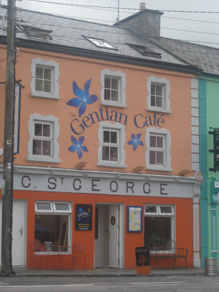A cute little cafe in a small town on the way from Galway to the Cliffs of Moher.