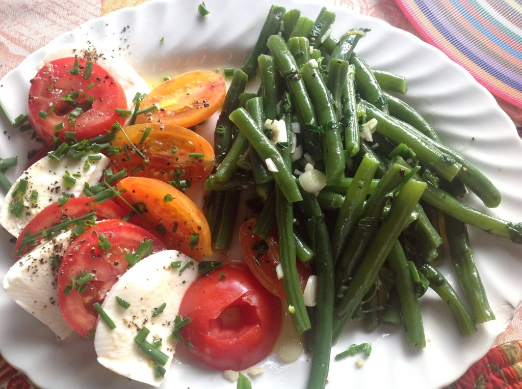 French Green Bean Salad Recipe with Caprese (or, if you flavor it with French herbs, call it Caprice!)