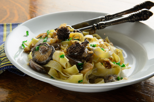 An easy recipe for Morels. Tagliatelles with Morels.