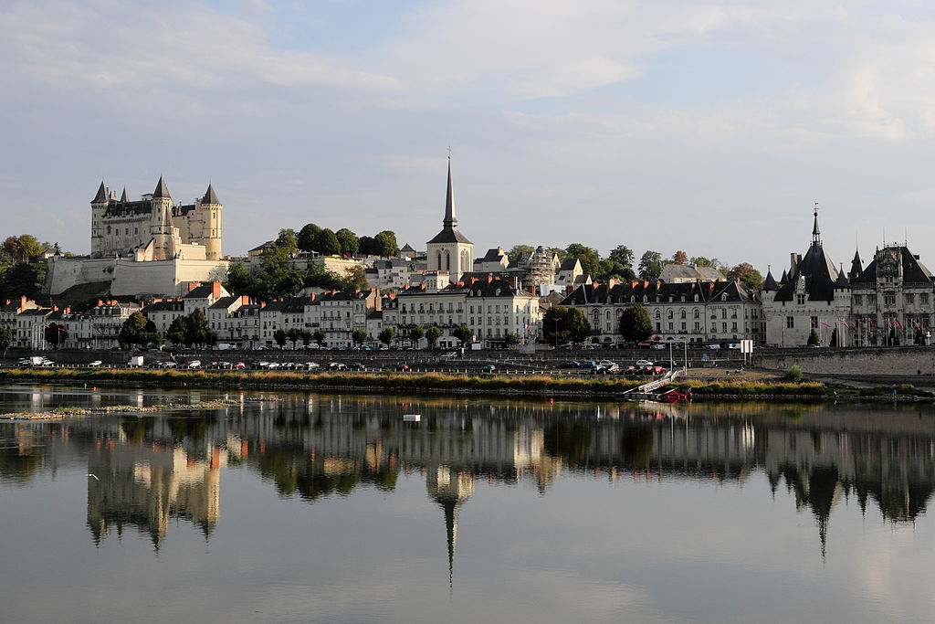This beautiful photo of Saumur is by Martin Falbisoner, via Wikicommons.