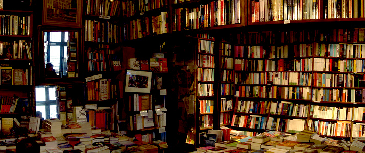 Shakespeare & Company, Paris. Photograph by Alexandre Darut-Lutz.