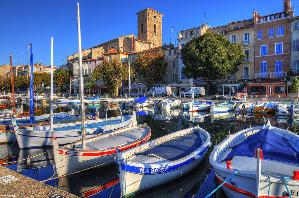 La Ciotat....Still looking for an apartment here, but doesn't it look charming?
