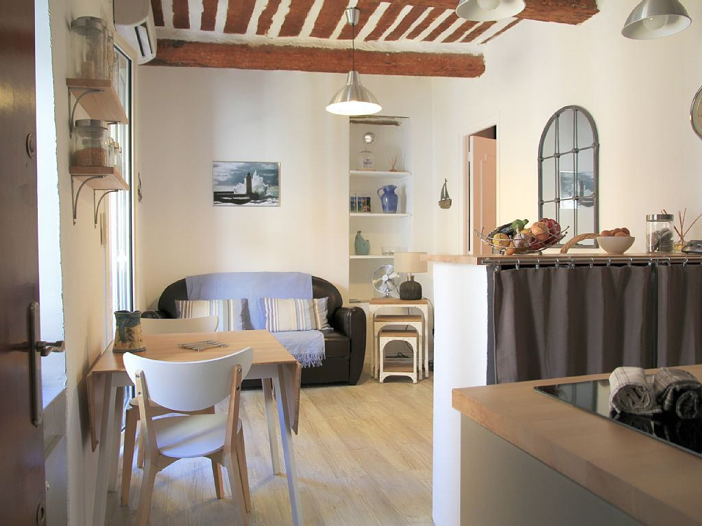 The apartment we've rented in Cassis. I hope it's as charming as it looks!